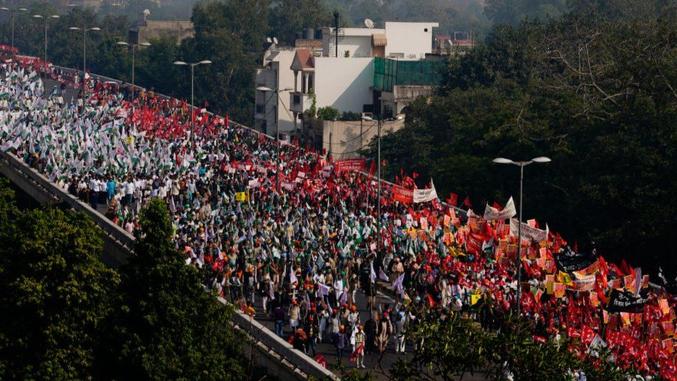 Farmers from all over the country protesting for 'waive off loans' and 'Standardising Fair Wages' in New Delhi.