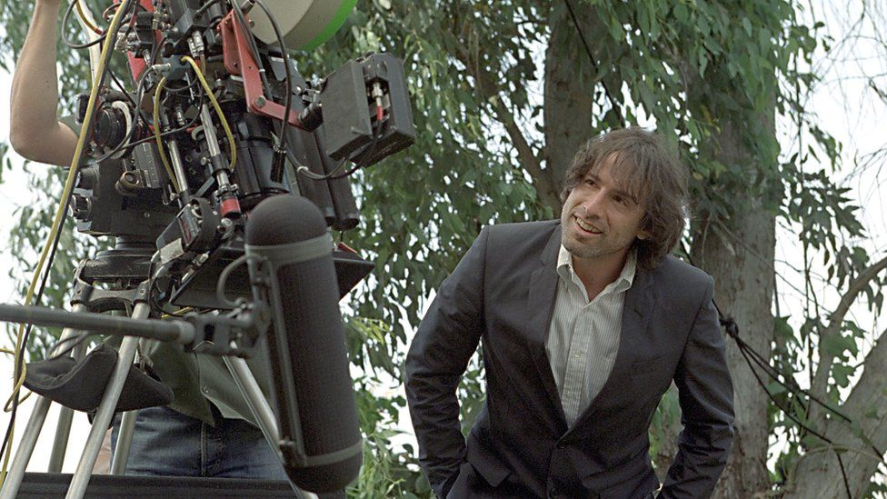 David O. Russell seen during one of the happier moments on the set of I Heart Huckabees