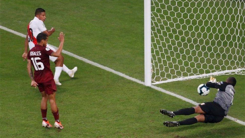 Copa América Brasil 2019: Perú empata sin goles con Venezuela, con el portero Faríñez y el VAR como claves