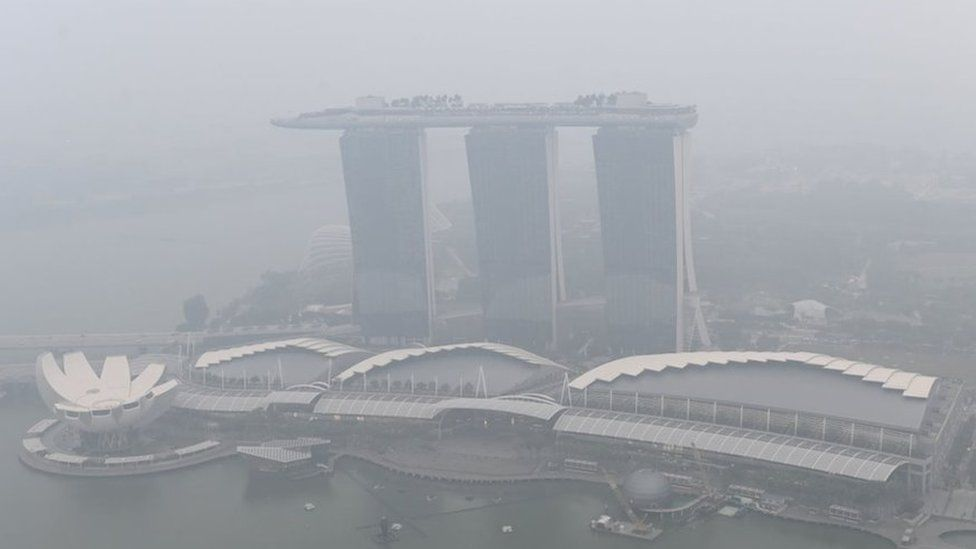 Singapore Grand Prix: How will haze affect the drivers and fans?