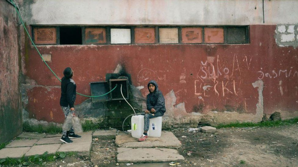 Roma communities in Slovakia face high levels of deprivation
