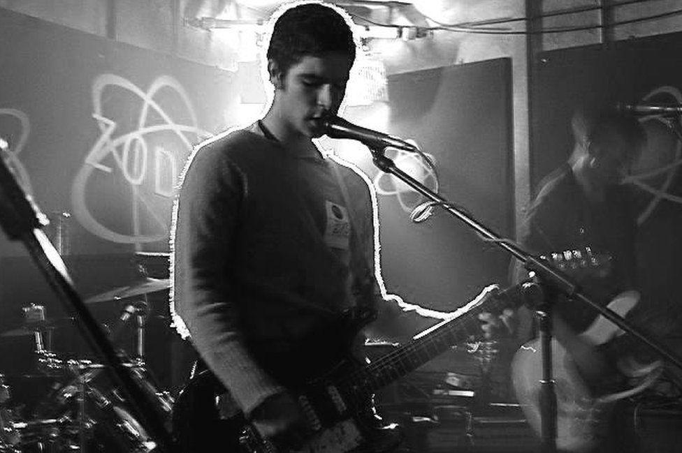 Yannis Philippakis of Foals, in his earlier band Elizabeth
