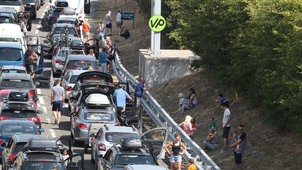 Queues for Eurotunnel