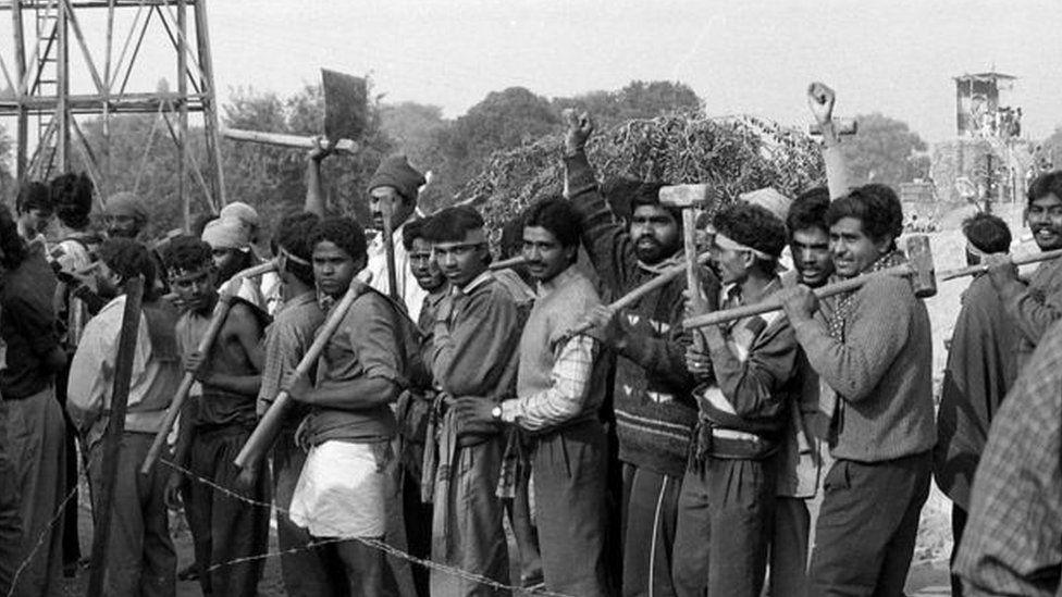 6 दिसंबर ने बदल दी भारत की राजनीति और ...