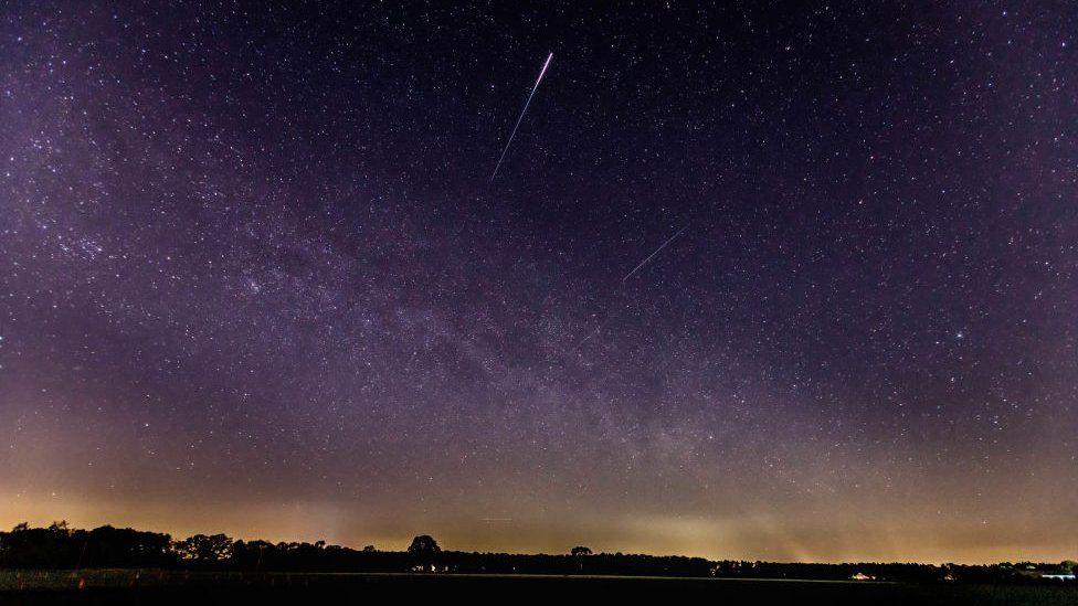 Lyrid meteor shower: Skywatchers set for sunrise or sunset view on Thursday thumbnail