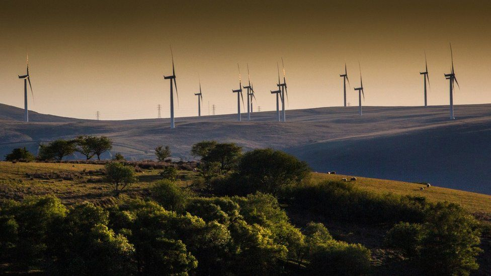 Wind turbines at Cwmllynfell