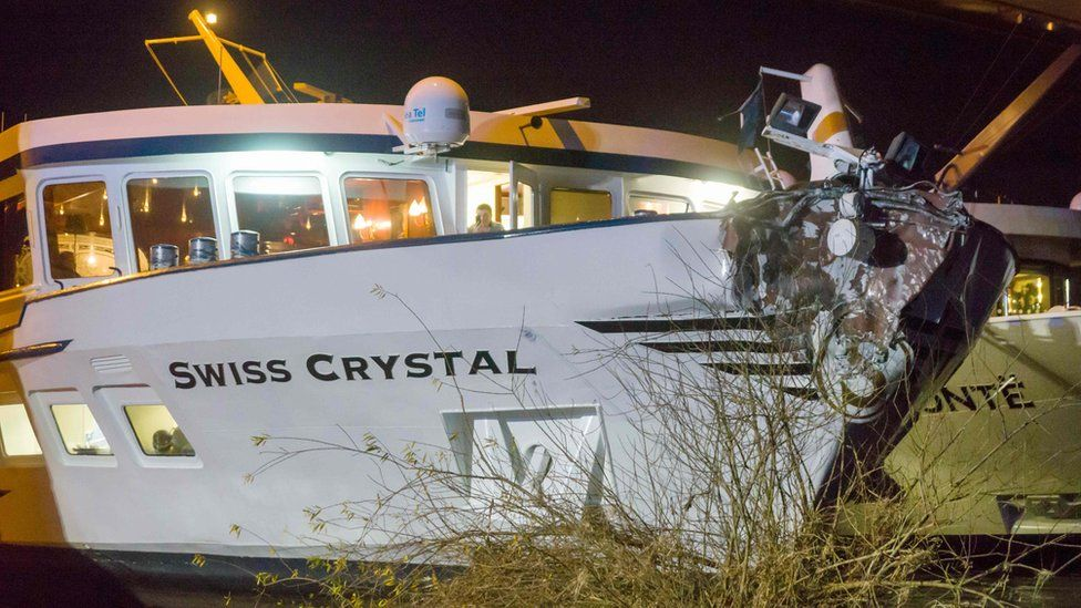 The Swiss passenger ship Swiss Crystal was damaged after it hit a motorway bridge on the Rhine river in Germany, 26 December 2017