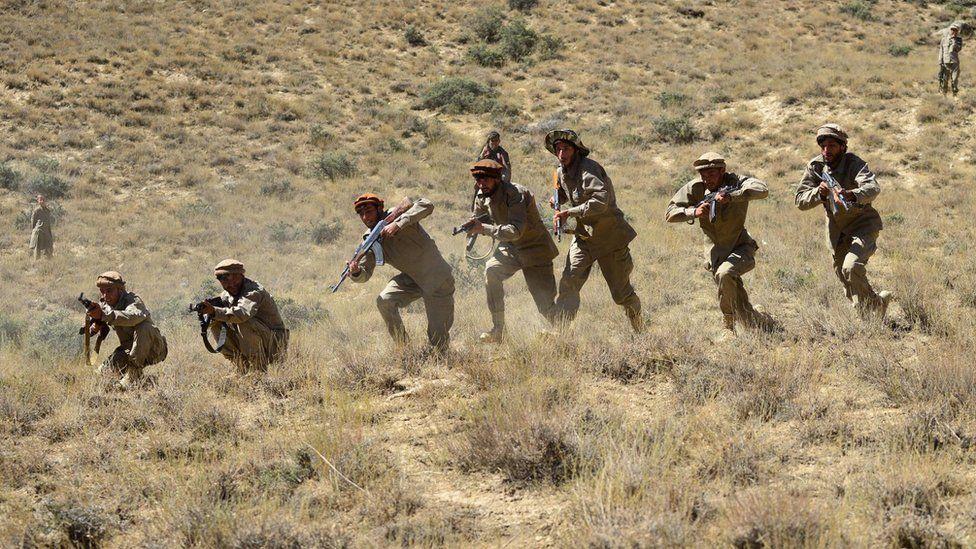 Anti-Taliban militants in training