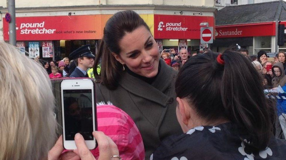 Duchess of Cambridge speaks to the crowds