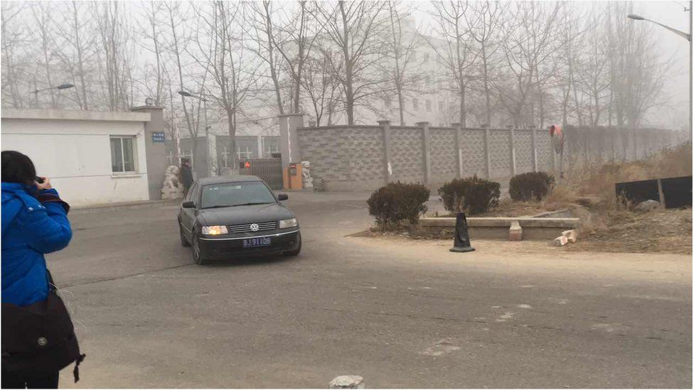 Photo provided to BBC of Pu Zhiqiang leaving Beijing Number One Detention Centre on 22 December 2015