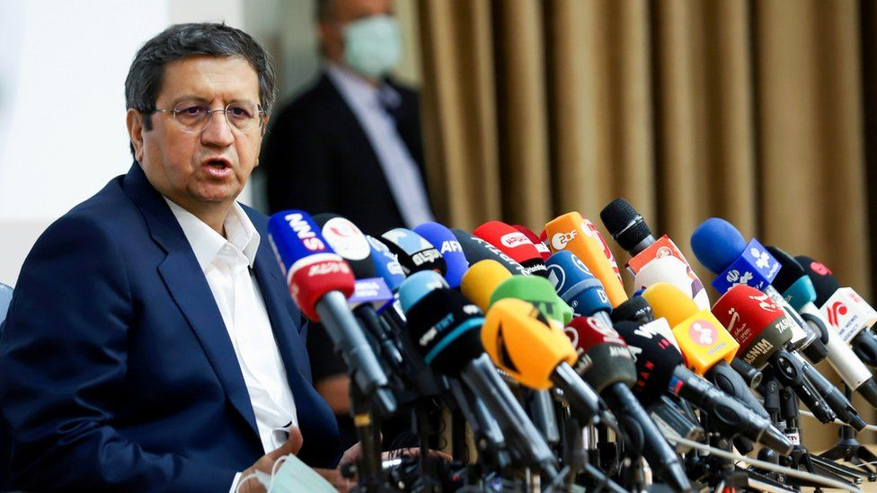 Iranian presidential candidate Abdolnaser Hemmati speaks during a press conference in Tehran, Iran (15 June 2021)