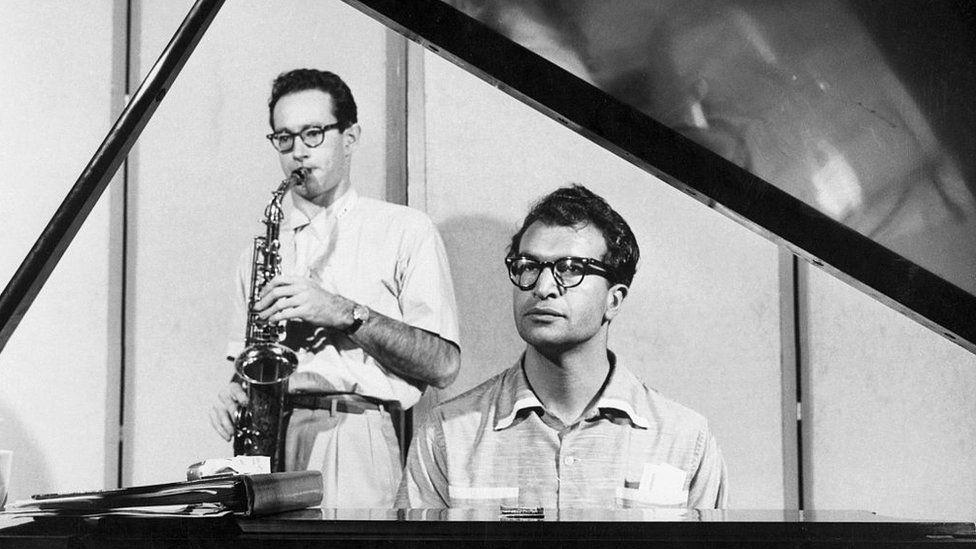 Пианист и композитор Дейв Брубек и его квартет с участием саксофониста Пола Дезмонда стал первым американским джазовым ансамблем, оказавшимся в стране социалистического лагеря - в Польше в 1958 году