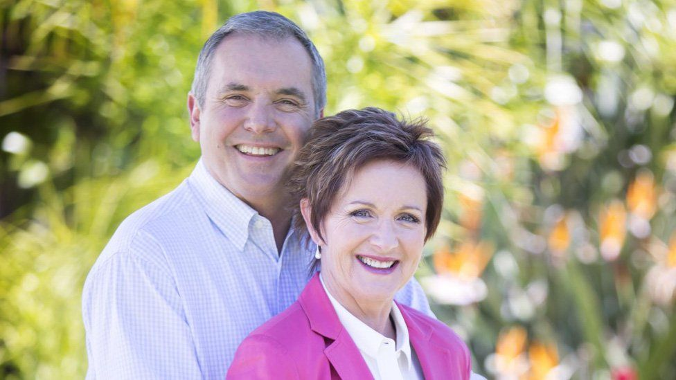 Alan Fletcher and Jackie Woodburne as Carl and Susan Kennedy in Neighbours