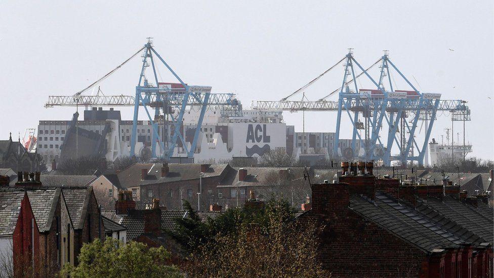 UK ports 'preparing to host EU customs checks'
