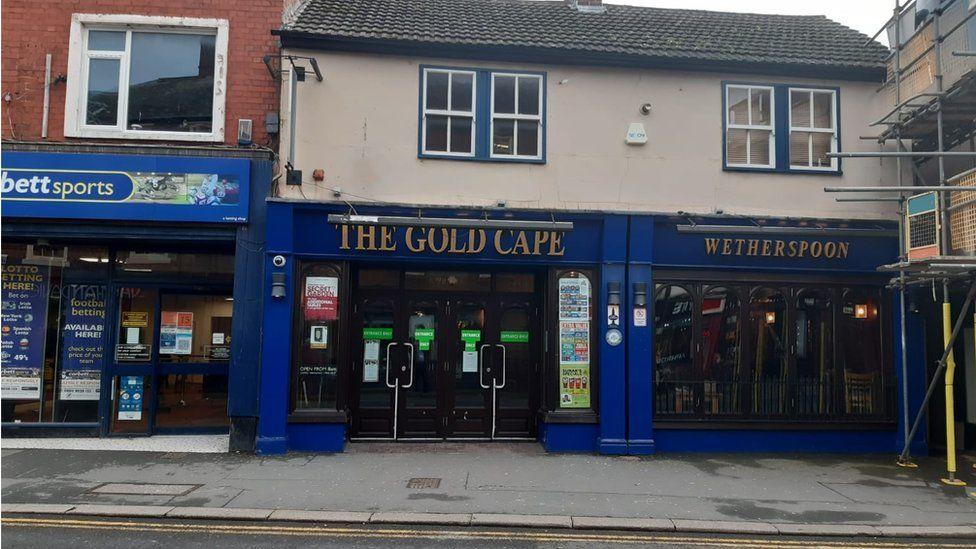 Mold's Gold Cape pub