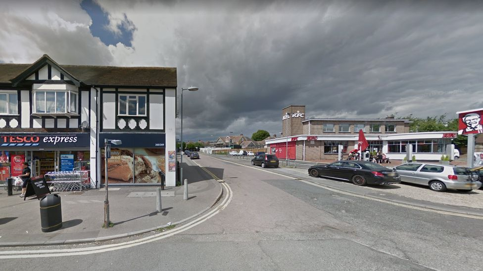 Tesco Express and KFC at junction of Pentland Avenue, Chelmsford