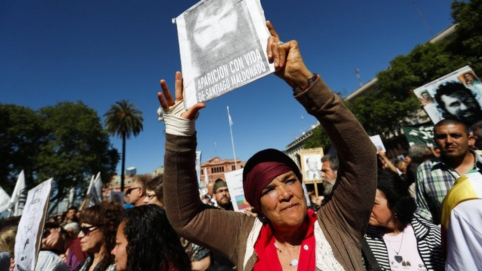 Hundreds of people participate during the protest of the Mothers of Plaza Mayo to seek justice for the case of the missing Santiago Maldonado in the Plaza de Mayo, Buenos Aires, Argentina, 19 October 2017.