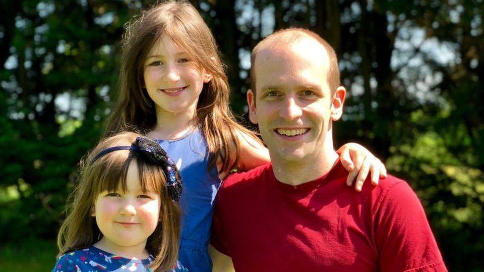 Richard Jones with daughters Gwendolen (Gwen), nine, and Callista (Callie), five