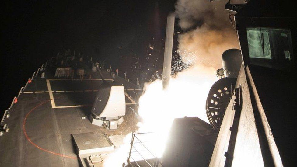 مقتل تسعة أشخاص في غارة أمريكية على قاعدة جوية في سوريا