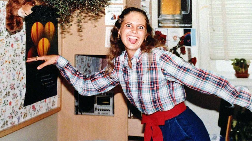 Angela Samota