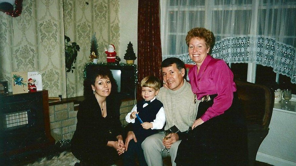 Dennis and Mavis Eccleston with relatives