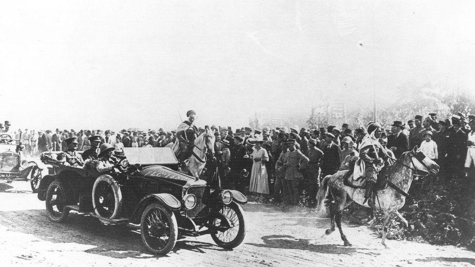 General Sir Edmund Allenby (1st Viscount Allenby) enters Jerusalem in a Vauxhall staff car.