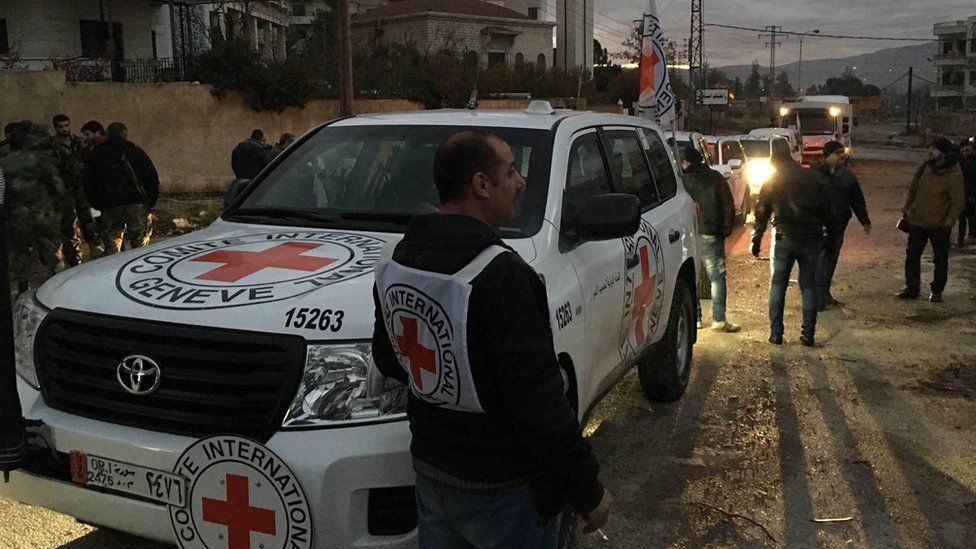 ICRC vehicle in besieged Syrian town of Madaya (11 January 2016)