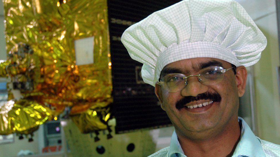 O homem que foi da pobreza na infância à liderança do programa espacial indiano