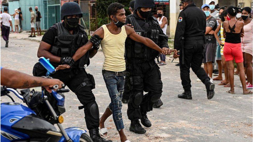 Cuba sanctions 'just the beginning', says Biden thumbnail