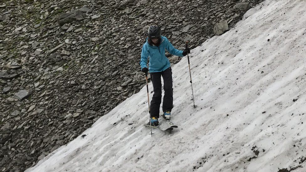 Helen Rennie skiing on Aonach Beag's snow patch
