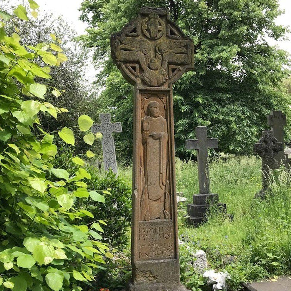Emmeline Pankhurst's grave, Brompton Cemetery