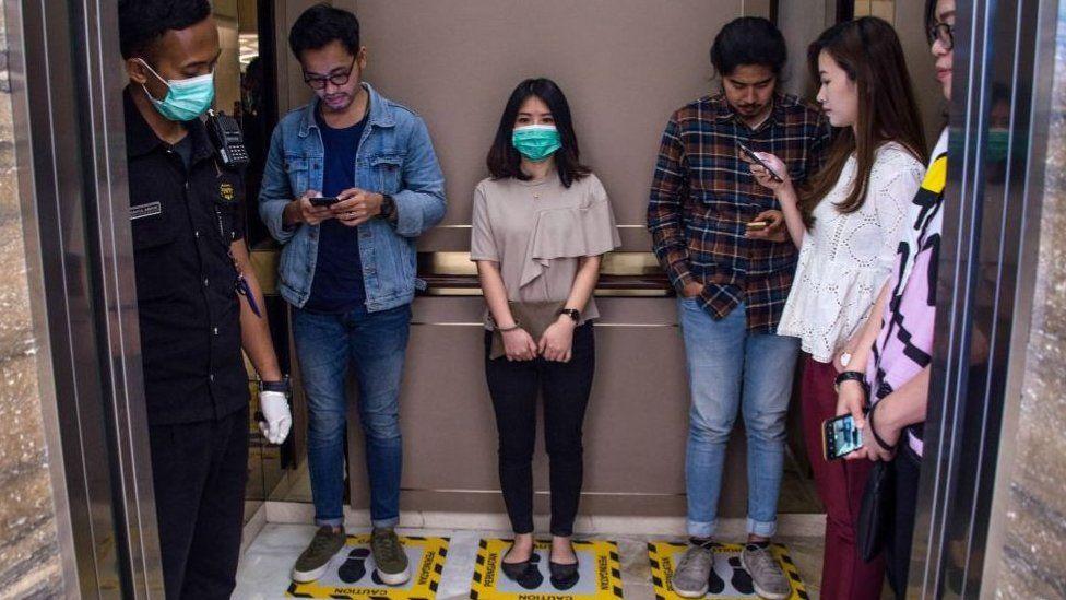 Coronavirus: cómo salir a caminar con cautela sin que te increpen o  estigmaticen - BBC News Mundo