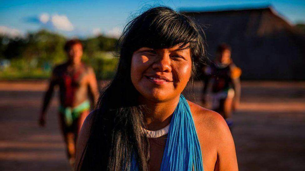 Para debater no Dia do Índio: 'Uso de cocar no carnaval é troca, não discriminação', diz líder indígena