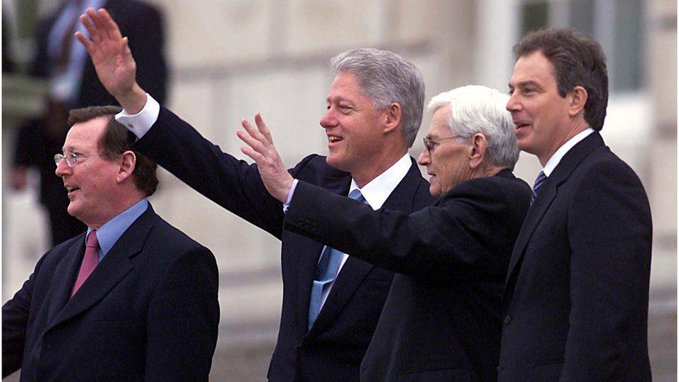 Mr Mallon met President Clinton at Stormont in 2000