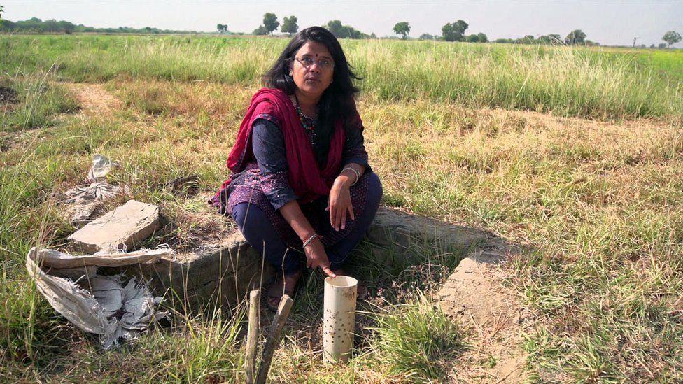 Trupti Jain demonstrating a bhungroo