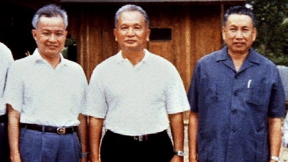 Nuon Chea, centre, alongside Pol Pot, right, and Khieu Samphan in 1986