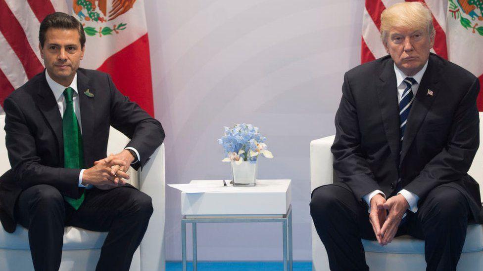 Mexican President Pena Nieto (L) and US President Donald Trump