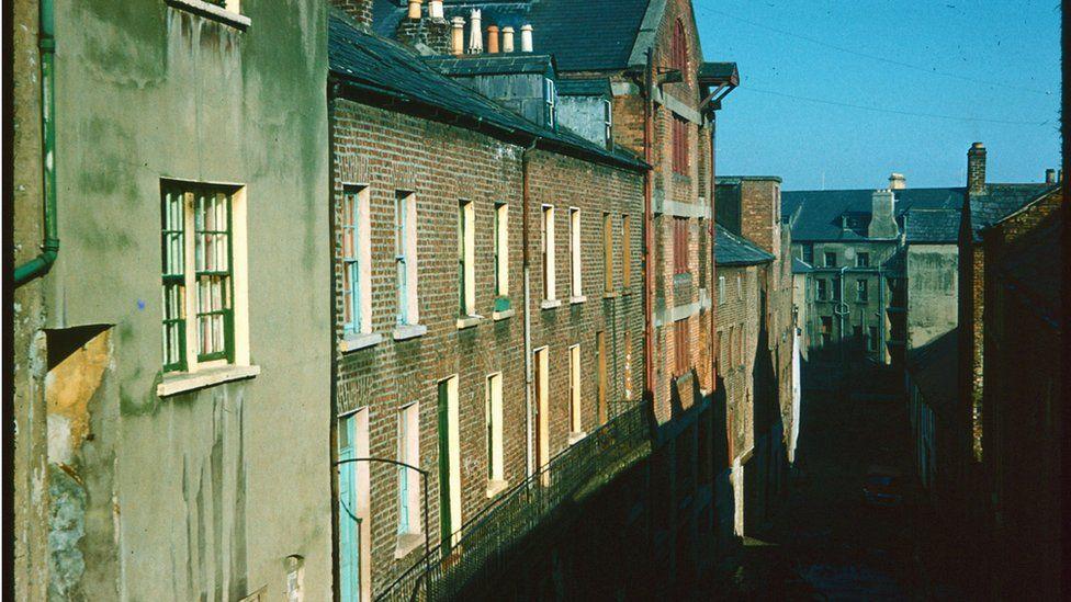 lower linehall street