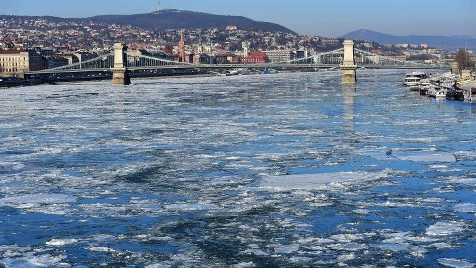 Ice floats over the Danube River in Budapest, Hungary. Photo: 9 January 2017