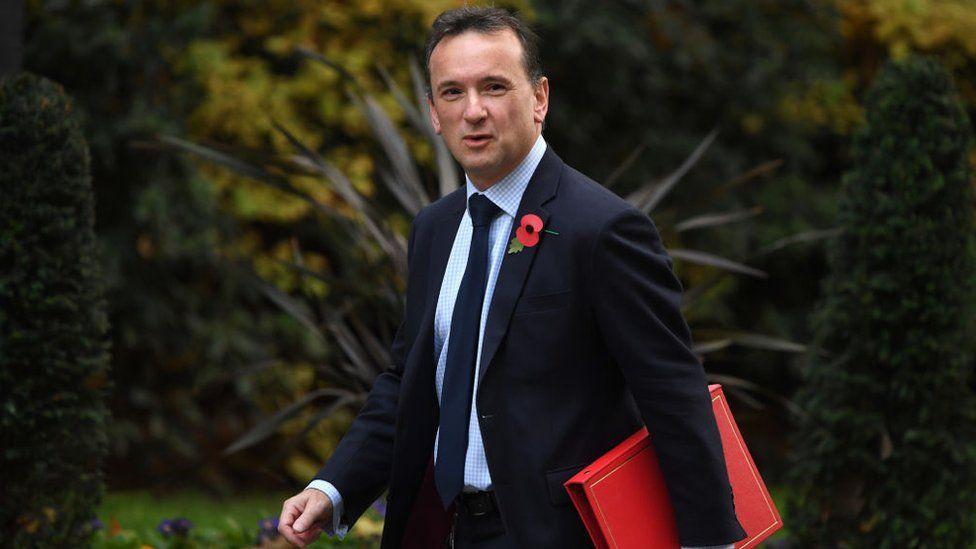 Alun Cairns yn cyrraedd 10 Downing Street ddydd Llun 5 Tachwedd 2019