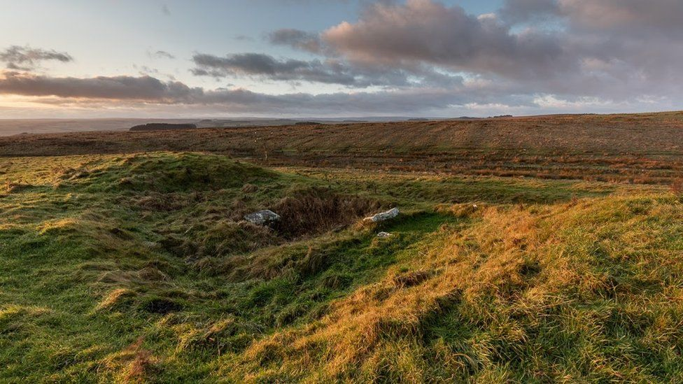 Hadrian's Wall Roman fort 'gifted to the nation'
