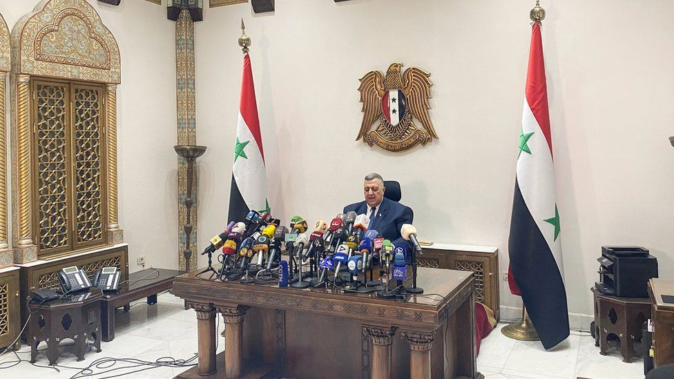 Hammouda Sabbagh making the announcement