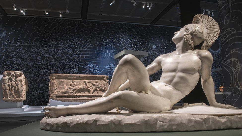 In the foreground is a marble sculpture of wounded Achilles by Filippo Albacini, 1825