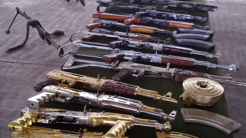Guns taken from drugs cartels by Mexican Army