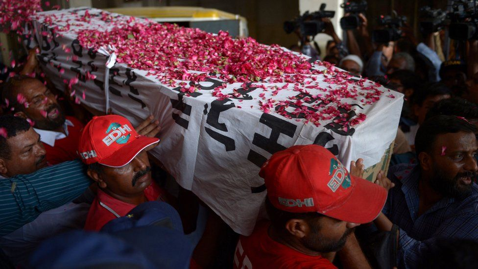 Relatives and volunteers carry the coffin of the convicted activist Saulat Ali Khan, also known as Saulat Mirza, after his execution in Karachi, Pakistan, 12 May 2015