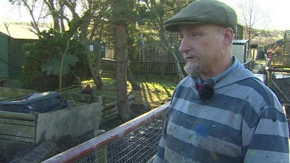 Dean Tweedy at Borth zoo