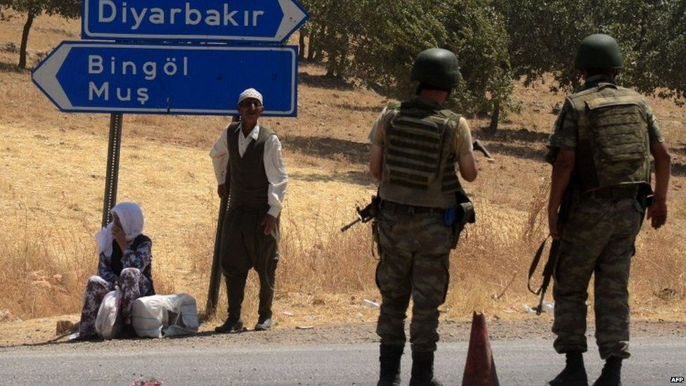 Turkish solders at a check point in Diyarbakir, south-eastern Turkey. Photo: 26 July 2015