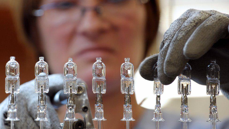 Halogen bulbs being made