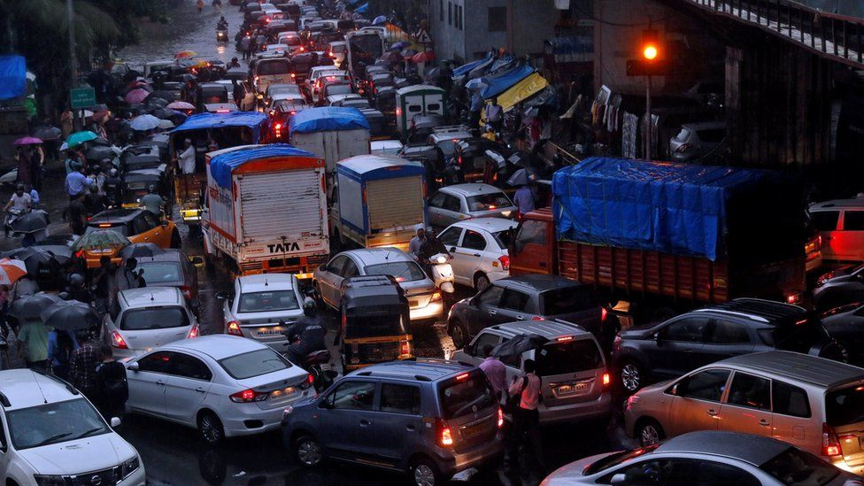 Monsoon weather caused traffic chaos in Mumbai, August 29, 2017