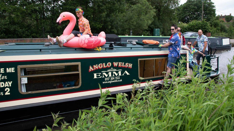 Friends on a narrow boat in Worcestershire